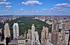 """O Central Park em Nova York é um dos destinos favoritos e mais conhecidos por turistas e locais. Para os locais é também conhecido como o """"quintal"""" de Manhattan pelos fantásticos espaços verdes e pela diversidade deste enorme """"pulmão"""" da cidade. Ao longo dos anos o Central Park tem sido cenário de inúmeros filmes, séries de TV, exp"""