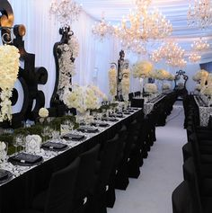 http://www.smartbrideboutique.com/media/images/Kim-Kardashian-Table-Decor2.jpg