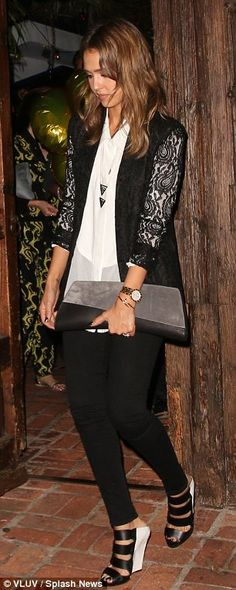 #Eveningwear | Jessica Alba in a lace jacket, white blouse, skinny pants and black and white strappy wedges