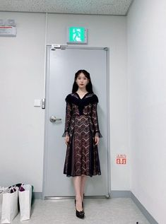 Luna Fashion, Pop Fashion, Girl Fashion, Fashion Outfits, Suzy, Girl Celebrities, Girl Photo Poses, Costume, Kpop Outfits