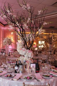 grand centerpiece with blooming tree ///