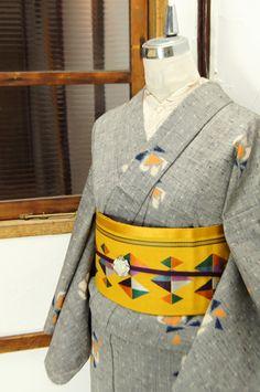 杢グレーに星と花浮かぶウール紬単着物 - アンティーク着物/リサイクル着物のオンラインショップ... - 姉妹屋