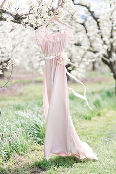 Cherry Blossoms And Pink - Styled Shoot - Inspired Bride Romance, French Wedding, Bridesmaid Dresses, Wedding Dresses, Trends, Mannequins, Wedding Blog, Spring Wedding, Outfit