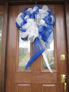 University of Kentucky mesh wreath
