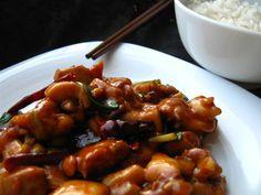 A venit vremea sa postez si acest deliciu culinar chinezesc! Tocmai pentru ca este un deliciu si are un gust minunat, originea acestui fel de mancare nu se cunoaste cu exactitate, desi multi spun, ca ar veni din zona Hunan a Chinei. Cu toate acestea, in restaurantele din Hunan nu se gaseste acest fel de …