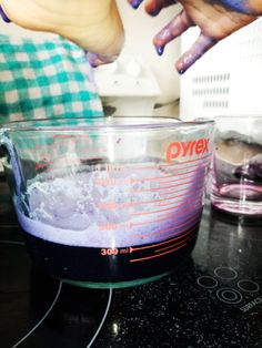 You don't need expensive chemistry kits containing dangerous chemicals to have fun doing science at home. All you'll need is a red cabbage, water, baking soda, and vinegar to have fun experimenting with colourful chemical reactions! Cabbage Juice, Red Cabbage, Chemical Reactions, Science Experiments, Chemistry, Color Change, Baking Soda, Magic, Vinegar