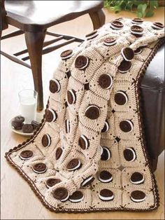 Oreo Cookie granny squares ~ free crochet pattern.   HA!! Awesome for K!!