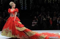 EL COLOR COMUNICA: Vestidos de Bodas con color y glamour