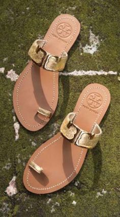 these cute gold sandals come in so many fun spring colors!