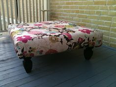 DIY Pallet Coffee Table or Ottoman