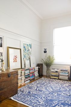 The rug design would make a great lino cut Anna's Inspiring & Inviting Flat