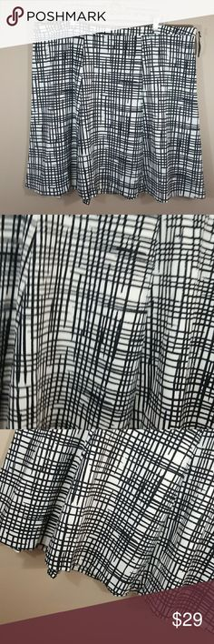 """Ava & Viv skirt sz 24W 💖Waist measures 23"""" 💖Length 26"""" 💖Ava & Viv sz 24W  This beautiful ready for Spring and summer Ava and Viv plus size skirt is a size 24W.  Lovely black-and-white detailing zips up the back. This is perfect for casual summer or work summer sandals or flats. Excellent condition new without tags 💞Thank you for visiting my closet please check out my entire closet👜 Ava & Viv Skirts A-Line or Full"""