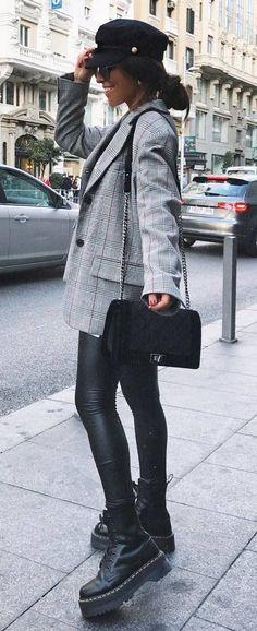 fashionable outfit idea : hat + plaid blazer + bag + skinnies + boots