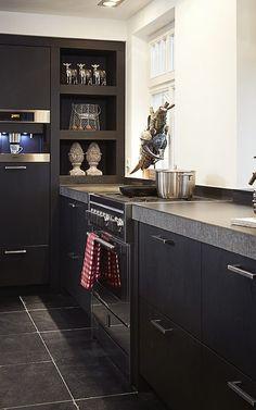 New Kitchen, Kitchen Interior, Interior Design Living Room, Kitchen Dining, Kitchen Decor, Kitchen Cabinets, Black Kitchens, Cool Kitchens, Kitchen Remodel
