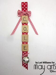 Holiday DIY: Name Ornament Using Scrabble Pieces - Wholesale Ribbon Sew a loop end at the bottom of ribbonGlue down scrabble letters on the ribbon. You can do names or even phrases, just be sure your ribbon in long enoughFi Scrabble Ornaments Diy, Scrabble Pieces Crafts, Scrabble Letter Crafts, Scrabble Letters, Scrabble Tiles, Ornaments Ideas, Handmade Christmas Decorations, Christmas Ornaments To Make, Diy Christmas Cards