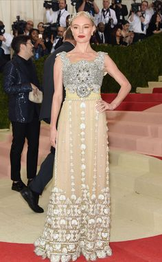 Red Carpet #Style | Met Gala 2016 ~ Manus x Machina: Fashion in an Age of Technology | Kate Bosworth in vintage inspired silver and yellow gown | The Luxe Lookbook