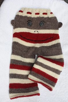 Aren't these knit pants adorable?! I see a crocheted version coming to mind! Ravelry: PiccoloBlue's Sock Monkey Longies