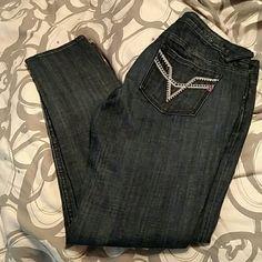 "NWT Vigoss Chelsea Skinny NWT Vigoss Chelsea Skinny! Inseam 30"". Great medium dark faded wash :) Vigoss Jeans Skinny"