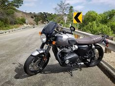 Name a better-looking neo-retro bike. Credit: Triumph Bonneville Black featuring the Midnight Tint Marlin Flyscreen! SHOP LINK IN BIO Triumph Bonneville T120, Triumph Motorcycles, Cars And Motorcycles, T120 Black, Retro Bike, Cafe Racers, Link, Classic, Shop