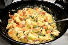 Just because it's a deconstructed chicken pot pie, doesn't… Skillet Meals, Skillet Food, Pie Recipes, Chicken Recipes, Easy Chicken Pot Pie, Chicken And Vegetables, Food Lists, Pasta Salad, Potato Salad