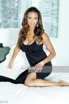 Actress Eva La Rue poses for a portrait session in Hollywood, CA for Pasadena Magazine. PUBLISHED Get premium, high resolution news photos at Getty Images Hot Country Girls, Hot Girls, Hot Actresses, Beautiful Actresses, Sandro, Eva Larue, Seductive Pose, Actrices Sexy, Latin Women