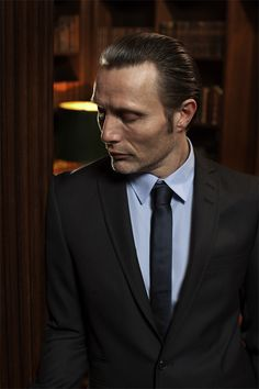 Mads Mikkelsen - Obsessed with his voice!