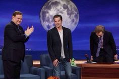♫ Under the moonlightYou see a sight that almost stops your heart ♫ 'Cause he's a Thriller… #TimothyOlyphant #RaylanGivens #JustifiedFX #TimOlyphant #tvshow #ConanObrien