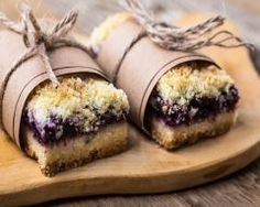 Crumb cake mûres et amandes (facile, rapide) - Une recette CuisineAZ