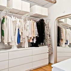 ikea malm and hanging shelves for a simple and stylish walk in closet Walking Closet, Walk In Closet Design, Closet Designs, Ikea Malm Dresser, Ikea Drawers, Closet Dresser, Plastic Drawers, Nightstand, Closet Drawers