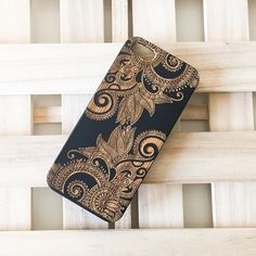 Black Ink Bamboo Wood Cover for Apple IPHONE 5 / 5S - Efflorescent Floral Paisley
