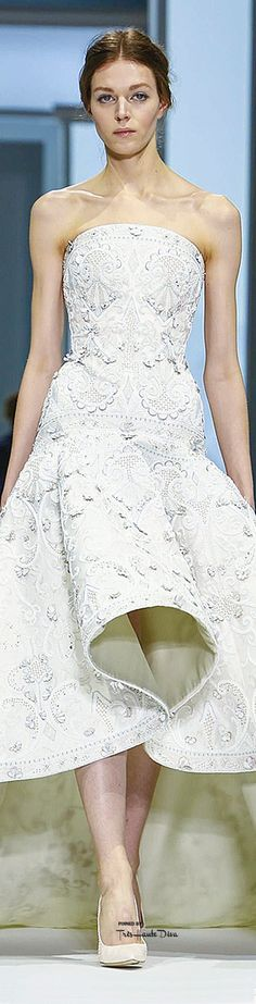Ralph & Russo Spring 2015 Couture • WHITE • HAUTE • CHIC #fashion✿ιиѕριяαтισи❀ #abbigliamento