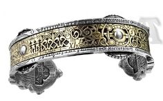Alchemy Gothic A15 Spectrostatic Nocturnium Bracelet. An early scientific instrumental band for controlling moonlight wavelength emulations. This intricately detailed bracelet, is made in antiqued pewter with an etched, solid brass inlay. One size, Adjustable covering from Small to Large. Extraordinary design for extraordinary individuals. This is an Officially Licensed product. All Alchemy's products are researched, conceived and designed in England by the Alchemy Studios Artists. They…