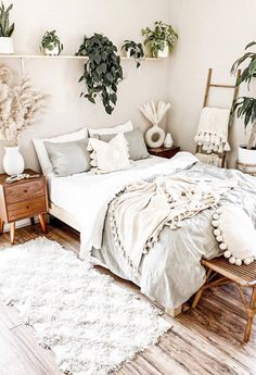 30 Absolutely Gorgeous Bedroom Ideas That Will Blow Your Mind – BuzzKee Boho Bedroom Diy, Cute Bedroom Ideas, Room Ideas Bedroom, Home Decor Bedroom, Bedroom Inspo, Bedroom Inspiration, Bohemian Bedroom Design, Decor Room, Pretty Bedroom