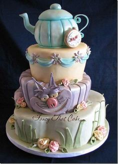 www.cakecoachonline.com - sharing...Alice In Wonderland Cake