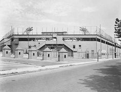 Exterior of Oriole Park in 1938.