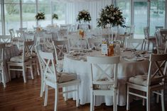 Kasia & Kuba - Wodnik, Wrocław, Poland - Bauaban Fotografia Table Settings, Table Decorations, Furniture, Home Decor, Fotografia, Cuba, Decoration Home, Room Decor, Place Settings