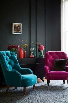 Decoração de sala neutra com poltronas decorativas para sala