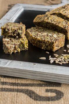 Mis je jouw dagelijks brood nu je Paleo eet? Geen probleem! Dit oerbrood biedt de oplossing. Heerlijk om een plak van te eten bij je (lunch)salade, of gewoon als tussendoortje natuurlijk. Hoewel ikzelf brood helemaal…