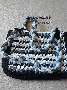 Papierová taška na menu biela Yeezy, Gym Bag, Adidas Sneakers, Bags, Shoes, Fashion, Adidas Tennis Wear, Handbags, Adidas Shoes