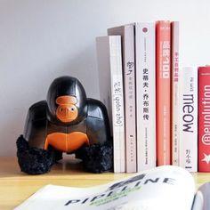 台湾zuny 创意皮质动物玩具/礼物/办公萌宠-猩猩Milo书挡的图片