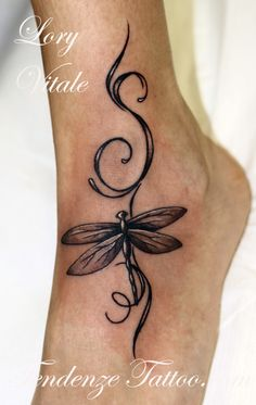 Dragonfly tattoo ideas - Tattoo Designs For Women! Foot Tattoos, Body Art Tattoos, Tribal Tattoos, Small Tattoos, Sleeve Tattoos, Garter Tattoos, Rosary Tattoos, Crown Tattoos, Bracelet Tattoos