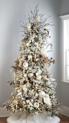 Christmas Abbott, Owl Christmas Tree, Christmas Tree Images, Blue Christmas Decor, Creative Christmas Trees, Christmas Tree Inspiration, Classy Christmas, Christmas Tree Design, Woodland Christmas