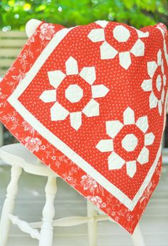 Mini blossom quilt - 2 color - http://store.figtreeandcompany.com/Mini_Blossom_Pattern_From_Fig_Tree_p/994.htm