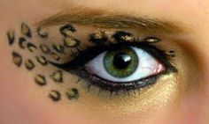 Leopard eyes with gold shadow & black eyeliner