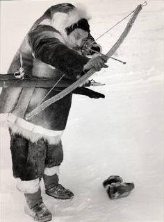 http://2.bp.blogspot.com/-bbhUyBdsdjo/TwLPu9ZeqXI/AAAAAAAAAUI/FWs4U92cgFE/s1600/Estate_of_Richard_Harrington_Inuit_hunter_with_bow_and_arrow_1950_1756_41.jpg