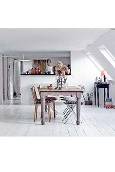 Jewelry Sarah Fyllgrafs - Copenhagen apartment || Styling : Stine Langvad Photo: Asger Mortensen