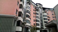 De vinzare apartament de lux cu o suprafata de 145 mp, in sectorul Buiucani, str. Ghioceilor, linga MoldExpo, intr-o zona linista si pitoreasca , cu acces direct la transportul comun. Multi Story Building