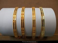 Daily wear gold plain bangles with weight details