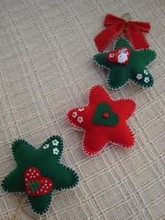christmas felt ornaments-don't like those colors though...
