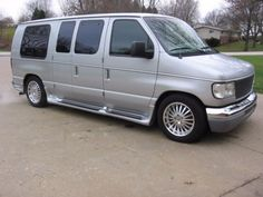2005 Ford E-Series Van E150 photo 1 ...